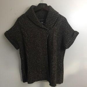 Alexander Bartlett short sleeve sweater. Large